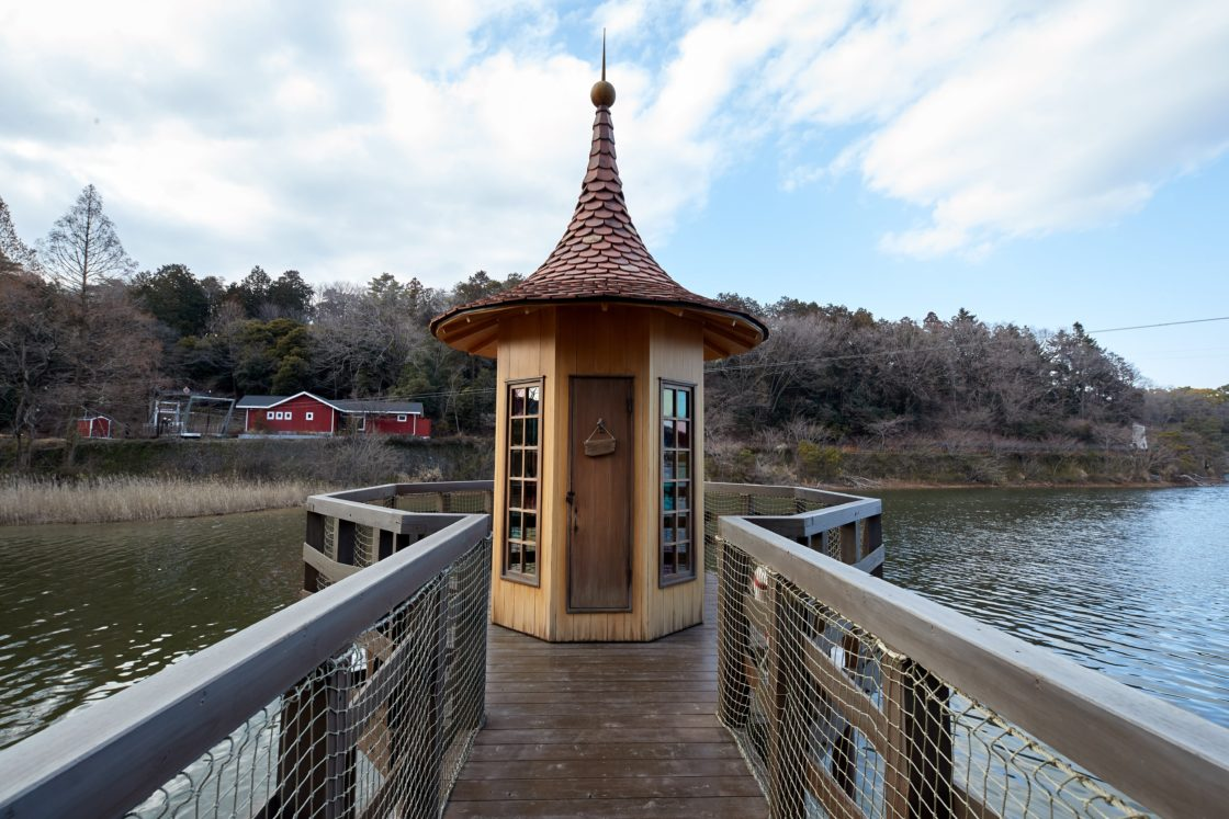 水浴び小屋 2