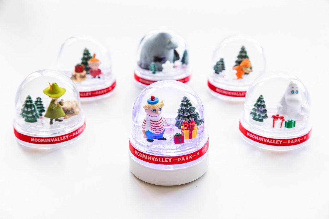 Moominvalley winter snow globe 1